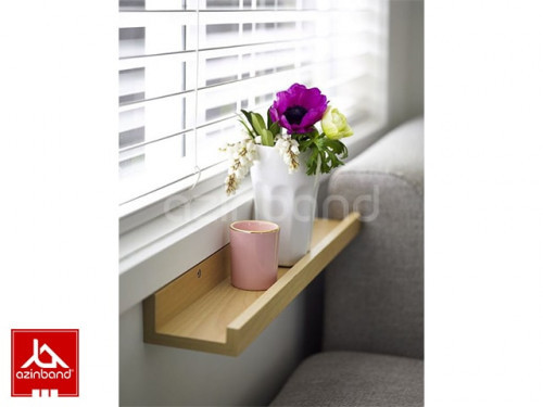 نگهدارنده چوبی گلدان کنار پنجره